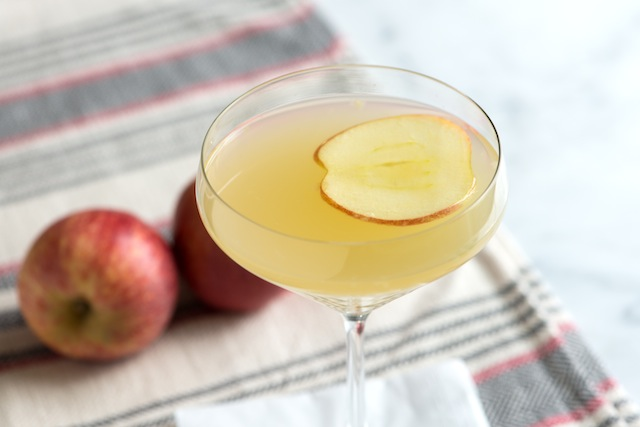 apple-ginger-martini-cocktail-recipe-image-two